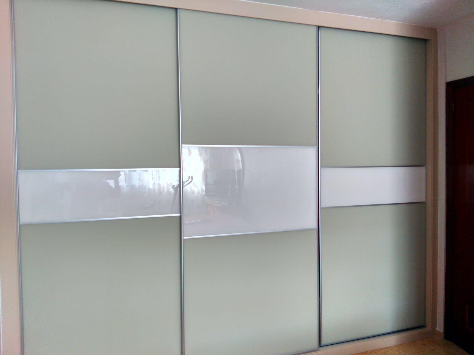 armario puertas correderas cristal blanco y mate