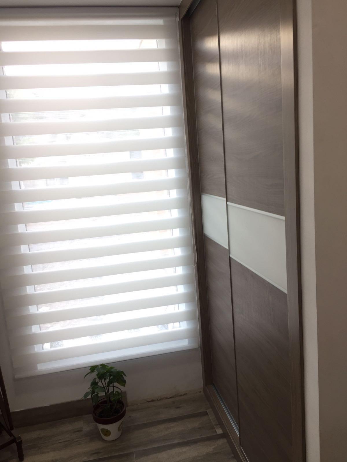 Armario Empotrado en Valencia color Marron dos puertas Correderas