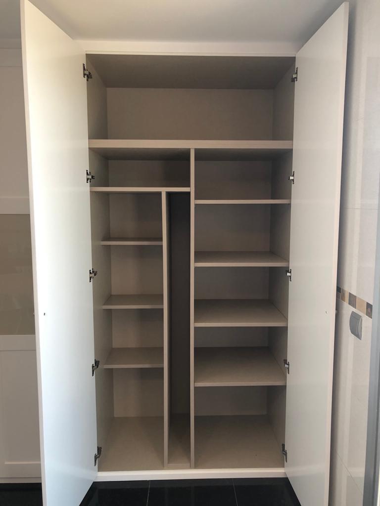 Interior armario configuración 1