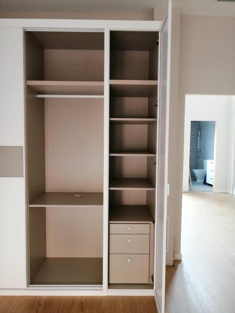 Interior armario configuración 3